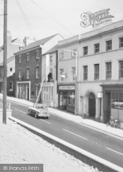 Lutterworth, Window Cleaning, High Street c.1965