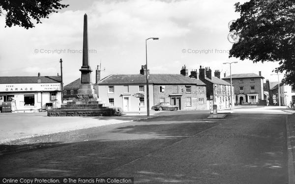 Lutterworth, Whitcliffe Memorial c1965