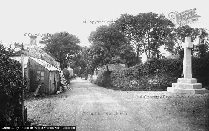 Lydford, Village and War Memorial 1922