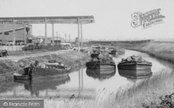 Lydney, Barges, The Canal c.1960
