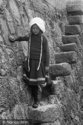 Lyme Regis, Girl On Grannys Teeth 1912