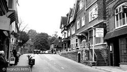 Crown Hotel c.1955, Lyndhurst