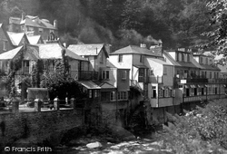 By The River Lyn 1932, Lynmouth