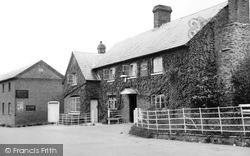 Madley, The Red Lion Inn c.1955