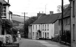 Dorchester Road c.1960, Maiden Newton