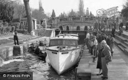 Maidenhead, Boulter's Lock 1956