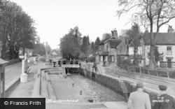 Maidenhead, Boulter's Lock c.1955