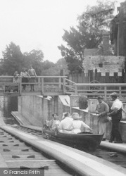 Maidenhead, Boulters Lock, The Elevator, People 1913