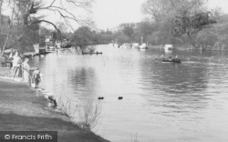 Maidenhead, By The River  c.1955