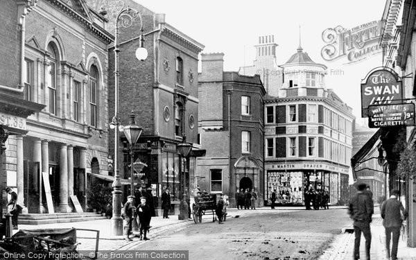 Maidenhead, High Street and Town Hall 1903