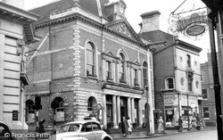 Maidenhead, Town Hall c.1960