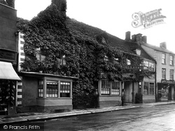 Malmesbury, Kings Arms 1924