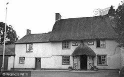 Manaccan, New Inn c.1955
