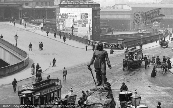 Photo of Manchester, Oliver Cromwell Statue 1889