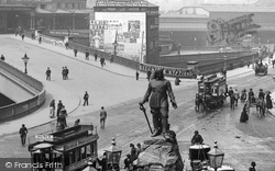 Manchester, Oliver Cromwell Statue 1889