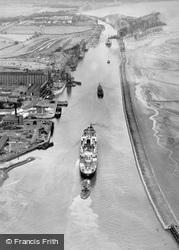 Manchester Ship Canal, Ellesmere Port 1947