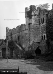 Castle 1953, Manorbier