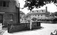 Mapledurham, the Mill House c1955