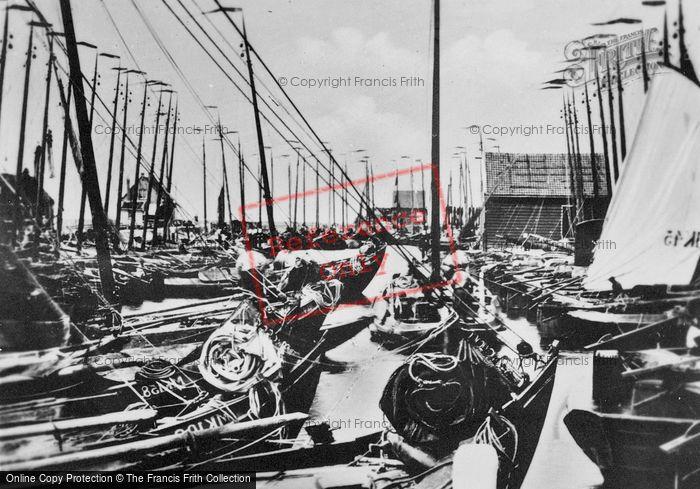 Photo of Marken, Harbour c.1900