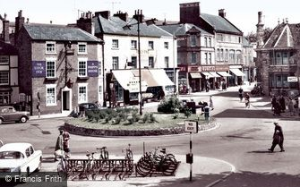 Market Harborough, the Square and High Street c1965