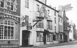 Market Harborough, The Three Swans Hotel c.1960