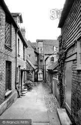 Marlborough, Neates Yard c.1965