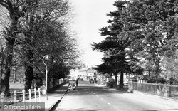 Marlow, High Street From The Bridge c.1955