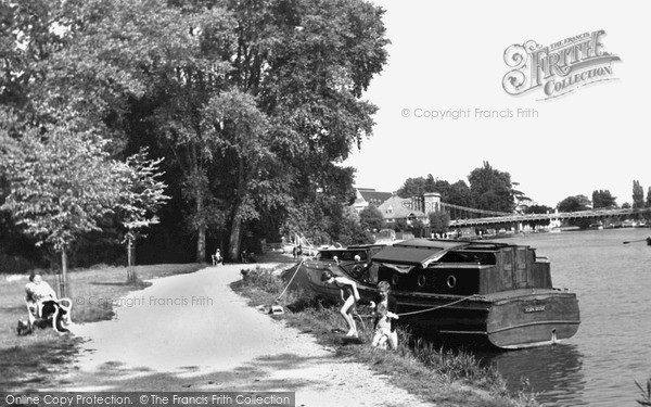 Marlow, the Embankment c1955