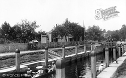 Marlow, The Lock 1901
