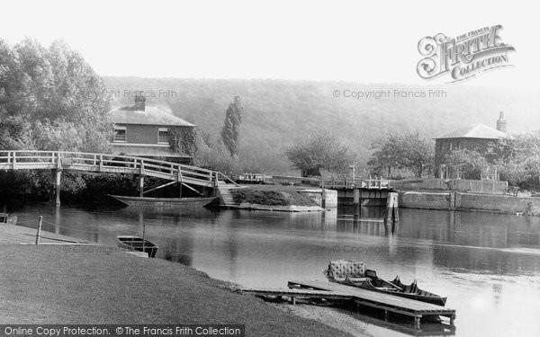 Marlow,the Mill Stream 1890,Buckinghamshire
