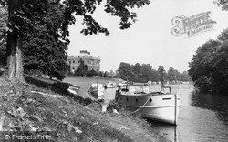 Marlow, The Thames By Harleyford Manor c.1960