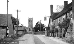 Marnhull, The Crown Hotel And St Gregory's Church 1952