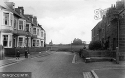 Marske-By-The-Sea, Shipley Terrace And Old Church 1913