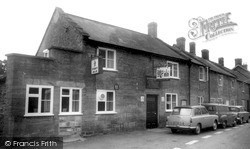 Martock, The Rose And Crown c.1965