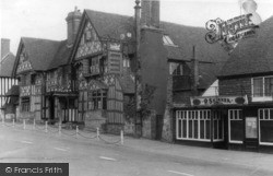 The Middle House Hotel c.1950, Mayfield