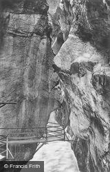 The Gorge c.1935, Meiringen