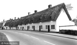 Melbourn, White Cottages, High Street c.1960