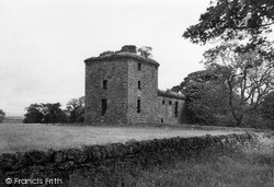 1954, Melgund Castle
