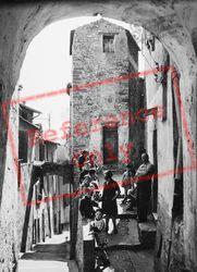1939, Menton