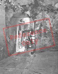 Archway c.1939, Menton
