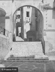 Steps c.1939, Menton