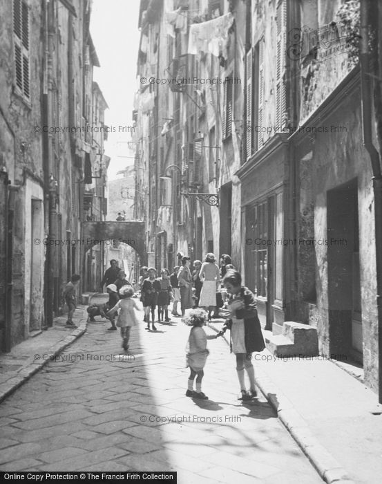 Photo of Menton, Street Scene c.1939