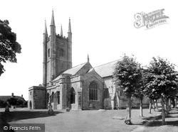 Mere, St Michael's Church c.1955