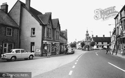 Mere, The Square 1963