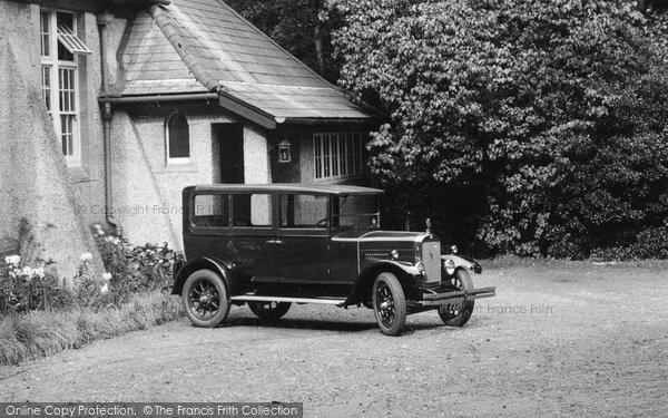 Merrow, Car At The Institute 1927