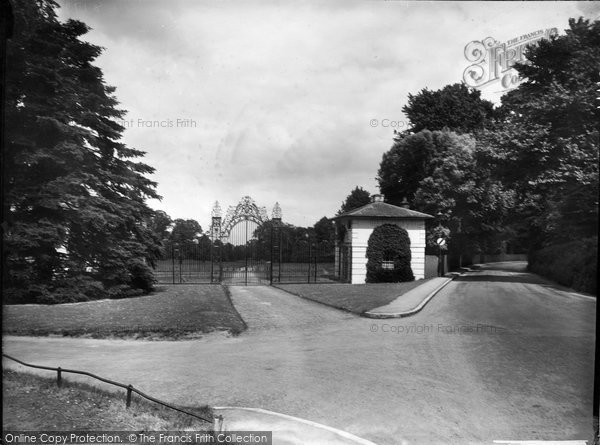 Photo of Merrow, Clandon Park Gates 1936