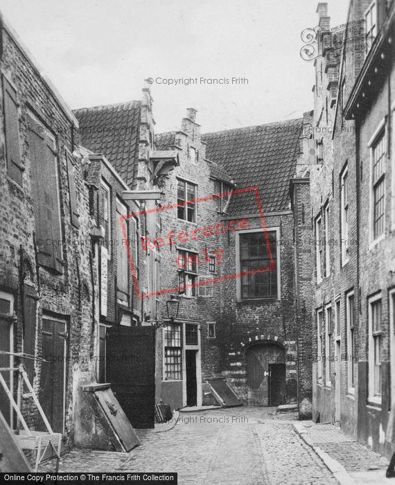 Photo of Middelburg, Kuiperspoort c.1935