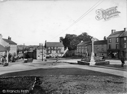 Middleham, Market Place And Cross 1926