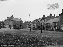 Market Place From South East c.1932, Middleham