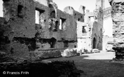 Middleham, The Castle 1952